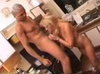 Coroa loira transando em vídeo de sexo