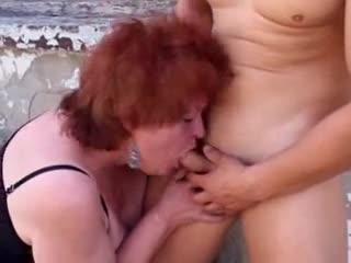 Safado fode a sogra gordinha gostosa que é um tesão