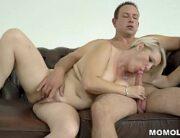 Videos porno coroa dando pro amigo do filho